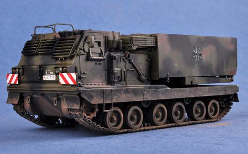 Bausatz NEU /& OVP MLRS Raketenwerfer Minitank 211100401 Panzer M270 MARS